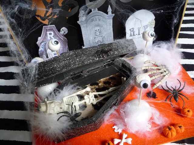 in this diorama we painted the inside of the box black and used orange felt for the bottom construction paper is also a great - Halloween Diorama Ideas